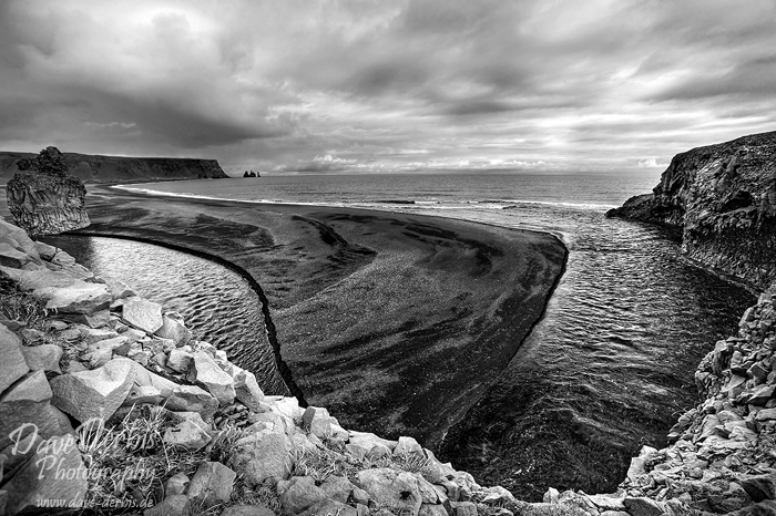 iceland, bay, vik, ocean, crashing, waves, atlantic, atlantik, coast, dramatic, surreal, dramatisch, unreal, canon, assignment, remote, rare, striking, beauty, volcanic, bnw, photo